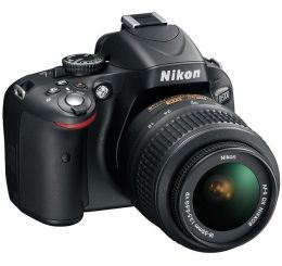 Nikon D5100 Kit 16.2-megapixel Digital SLR with 18-55mm VR Zoom Lens