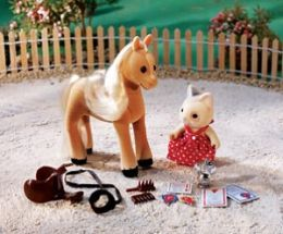 Calico Critters Willow & Carly's 1st Horse Show