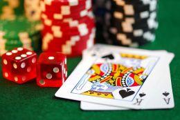 Gambling: Gambling Exposed (Annotated) ( addiction, habit, compulsion, dependence, need, obsession, gambling, betting, gaming )