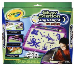 Crayola Glow Station on The Go Day/Night