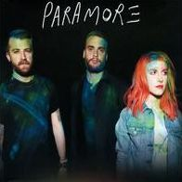 Paramore [CD + Small T-Shirt]