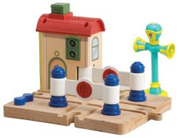 Chuggington Lights & Sounds Crossing Platform with Vee