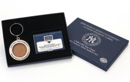 New York Yankees 2009 World Series Champions Keychain with Dirt from 2009 World Series Games at Yankee Stadium