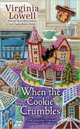 When the Cookie Crumbles (Cookie Cutter Shop Mystery Series #3)