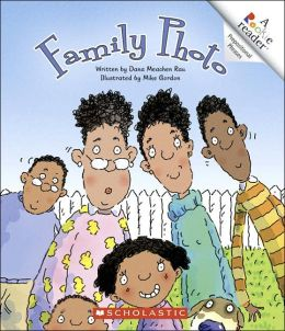 Family Photo (Rookie Reader Prepositional Phrases Series)