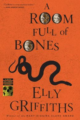 A Room Full of Bones (Ruth Galloway Series #4)