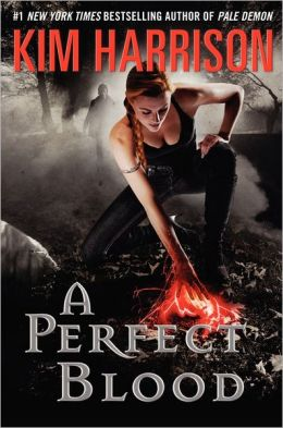 A Perfect Blood (Hollows Series #10)