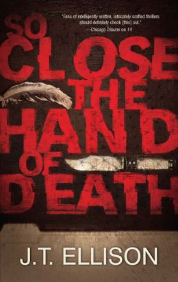 So Close the Hand of Death (Taylor Jackson Series #6)