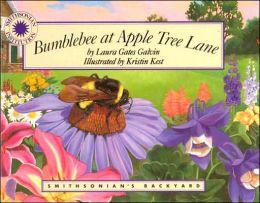 Bumblebee at Apple Tree Lane (Smithsonian's Backyard Series)