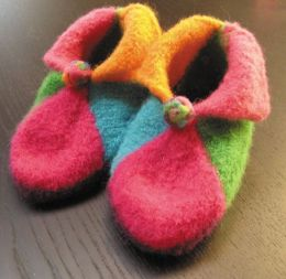 Knitwhits Elfin Booties Kit -Kids Size